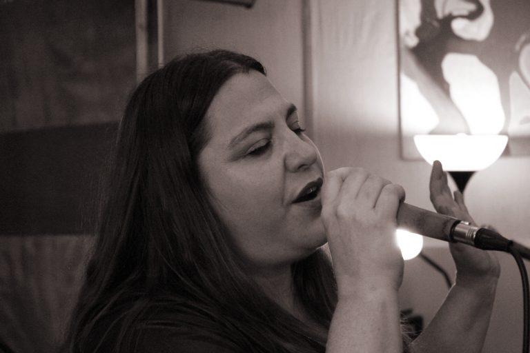 שרון שרה שיר